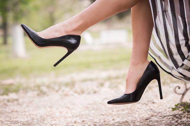 אילו נעליים כל אישה צריכה בארון הנעליים שלה?