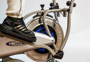 הליכון או אופני כושר